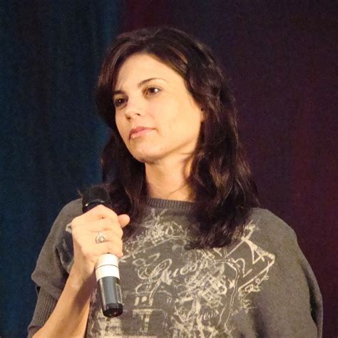 Leah Cairns – Wikipedia